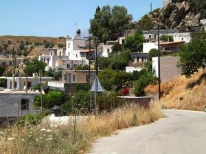 The Village Miamou - Old Road To Lendas And The South Coast © nick / bikingcrete.com